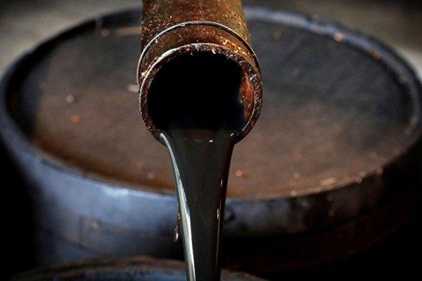 Чому ціна нафти впала нижче нуля: експерти спрогнозували подальший курс