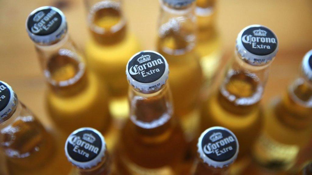Пиво Corona припиняють випускати через коронавірус