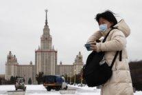 В России коронавирусом заразились 300 тысяч человек