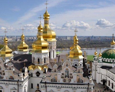 В Киево-Печерской лавре резко возросло число инфицированных священников