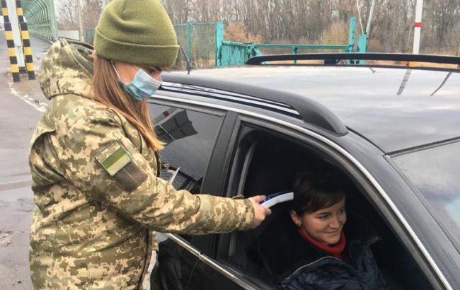 Українці поспішають з Європи додому на Великдень: що відбувається на кордоні