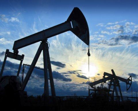 Такого не було 20 років: російська нафта впала в ціні до 10 доларів
