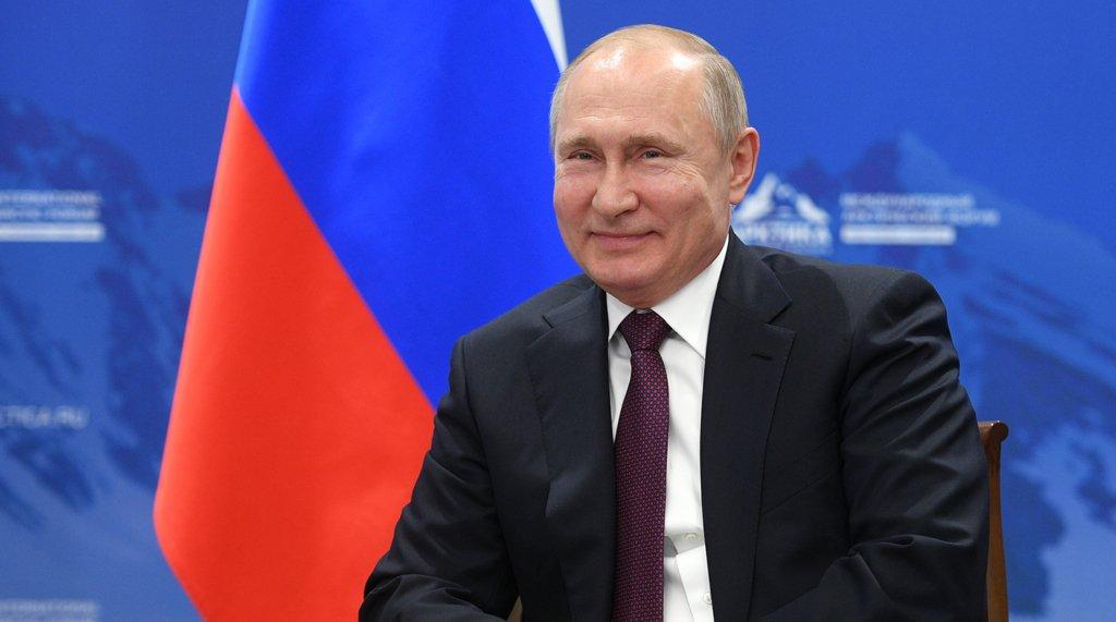 Шендерович запропонував засудити Путіна за злочини перед Україною