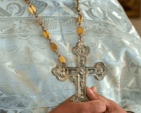 Священник с коронавирусом отказался изолироваться от верующих в Черновицкой области