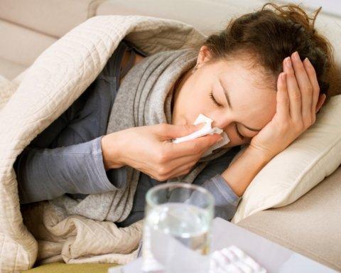 Сто тысяч украинцев заболели гриппом за неделю: шокирующая статистика