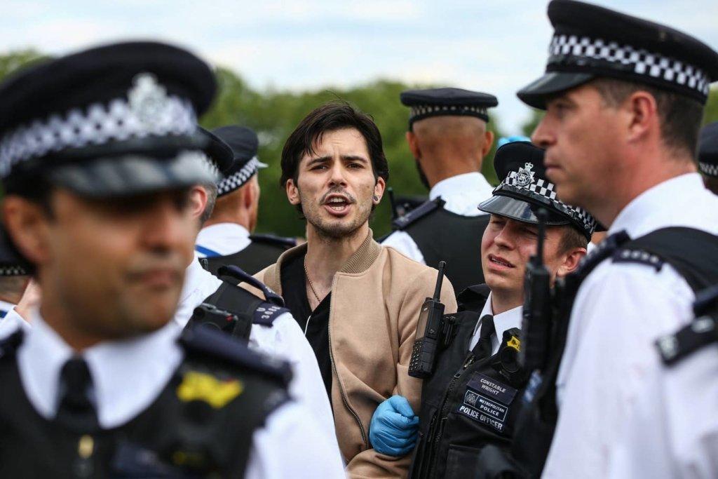 В Лондоне арестовали участников акции протеста против карантина