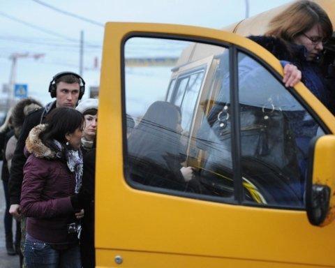 Зеленский поддержал возобновление работы транспорта с 22 мая