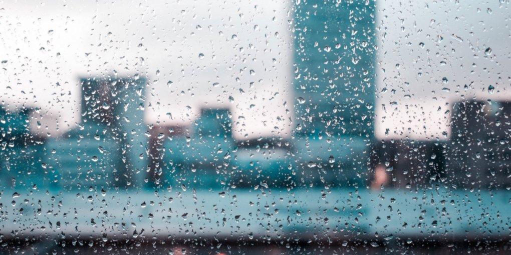 Грози, зливи і сильний вітер: де сьогодні буде погана погода