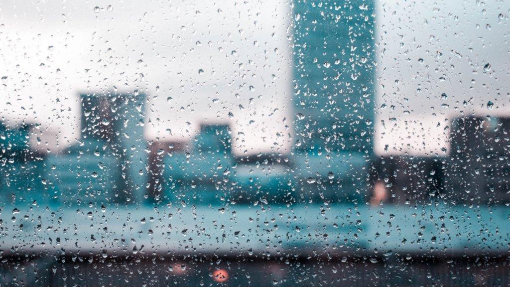 Надвигается буря: синоптики предупредили о плохой погоде