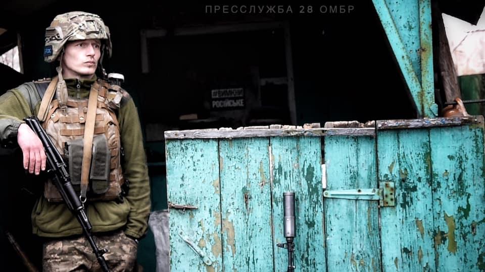 Сколько бойцов ВСУ погибли от рук боевиков в апреле: подробности и фото