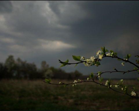 Дощі з грозами і похолодання: що очікувати від погоди 3 травня