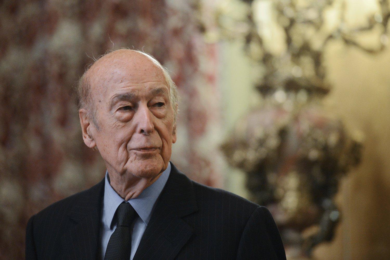 Екс-президента Франції звинуватили у сексуальних домаганнях: всі подробиці