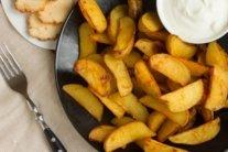 Кому і чому не можна їсти картоплю: медики пояснили