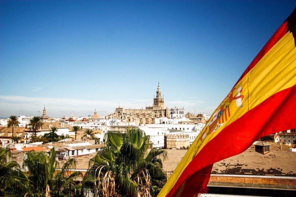 Іспанія планує відкрити кордони для туристів вже у червні
