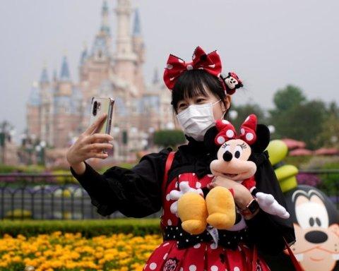 В США дозволили відкриття Disneyland