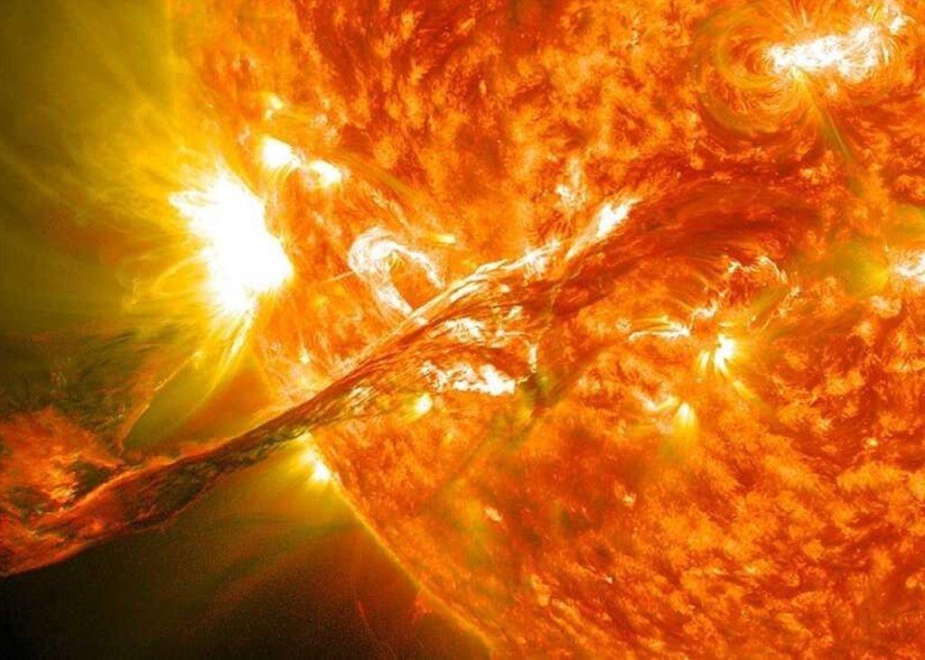 На Сонці стався надпотужний спалах: що це значить