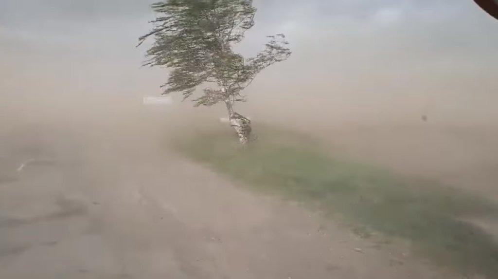 Пылевая буря атаковала Прикарпатье, начались массовые ДТП