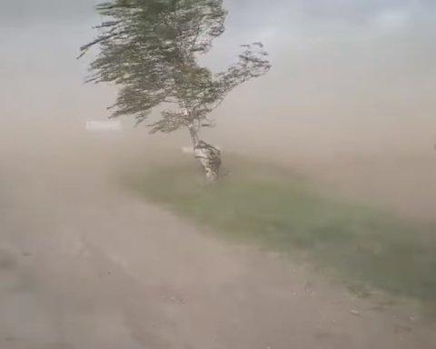 Кривий Ріг накрила пилова буря: що робити, щоб не захворіти