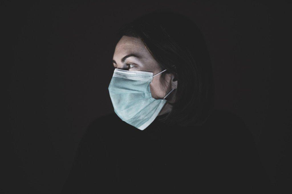 Почти 900 случаев за сутки: статистика Минздрава по коронавирусу на 3 июля