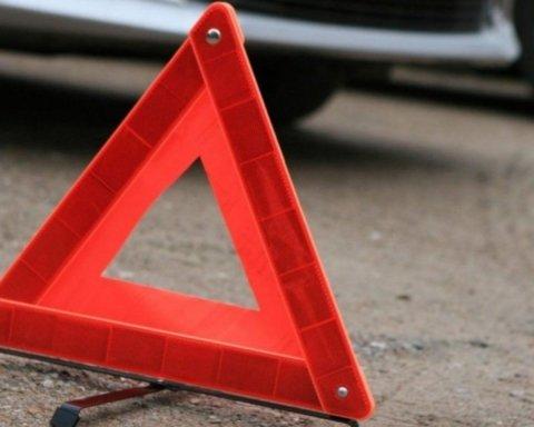 На Закарпатті п'яний поліцейський мало не вбив двох дітей