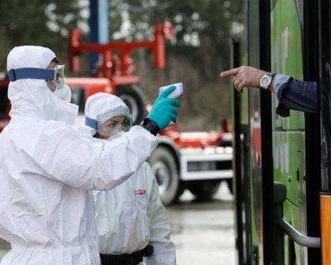 Карантин в Украине могут продлить: названо условие