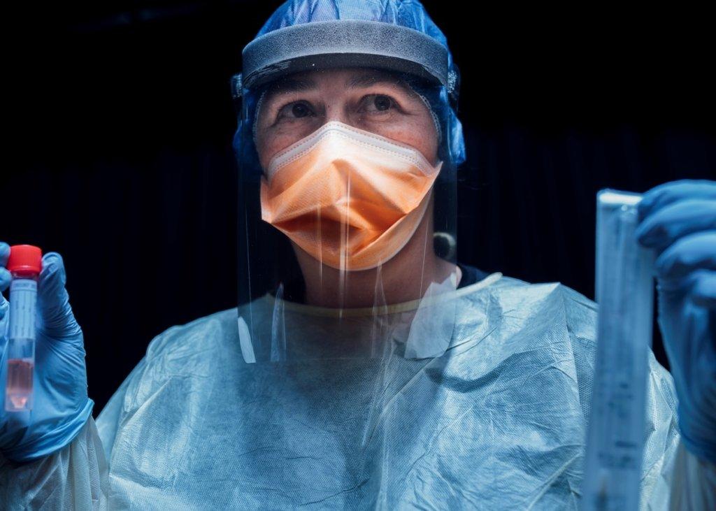 Ученые назвали период заразности носителей коронавируса