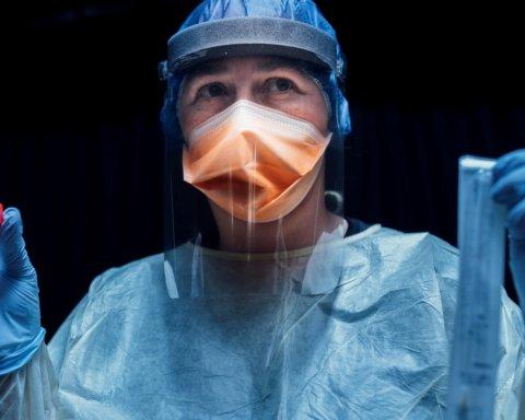 Коронавірус не відступає: оприлюднено тривожні дані МОЗ