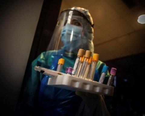 Вакцинація від COVID-19 в Україні: хто і коли отримає щеплення, з'явився графік