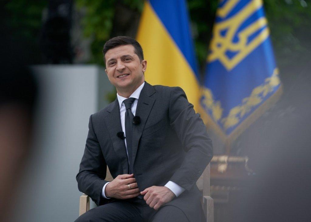 Нерухомість за кордоном і мільйонні доходи: Зеленський показав декларацію