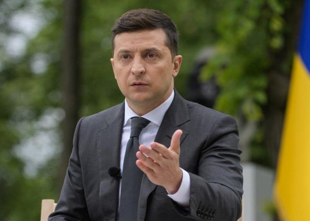 Всеукраинский опрос: журналисты узнали все пять вопросов Зеленского