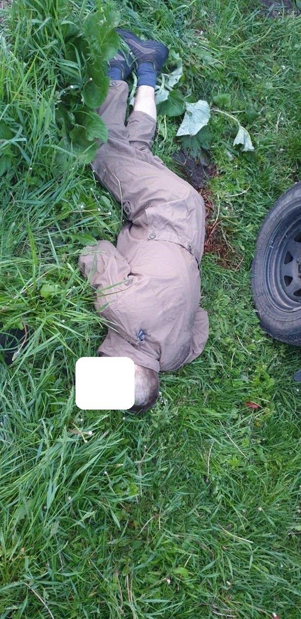 Масове вбивство на Житомирщині: нові фото з місця НП