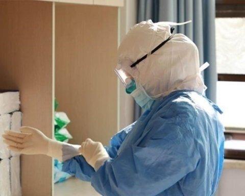 Лікар: COVID-19 став агресивнішим, а перебіг важчим