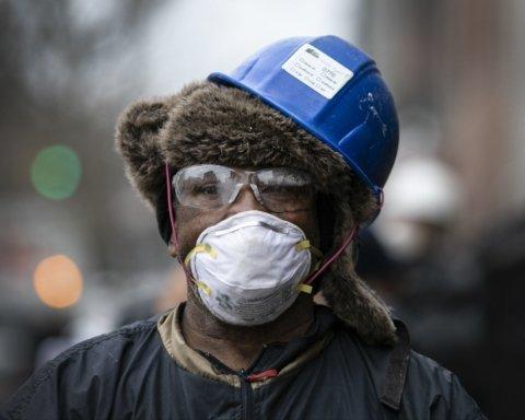 Россия вышла на 3 место по числу инфицированных, а в Украине умер депутат: главное о коронавирусе