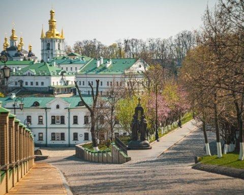 В Киево-Печерской лавре новая вспышка коронавируса: что известно
