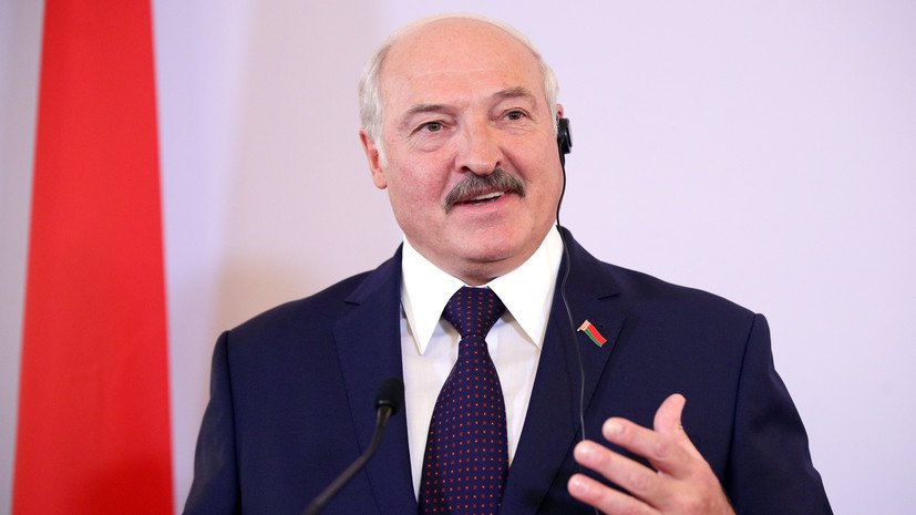Лукашенко заявил о невозможности отмены парада на 9 мая в Беларуси