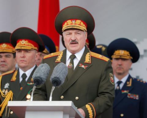 Білорусь в розпал пандемії коронавірусу провела парад Перемоги