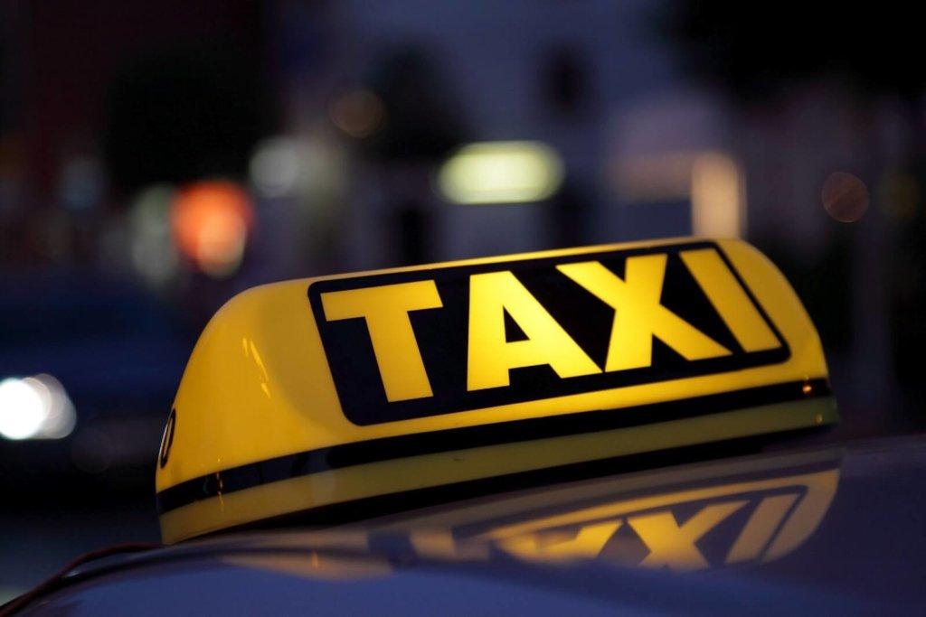Водій таксі, в якому помер Поляков, розповів про останні хвилини життя нардепа