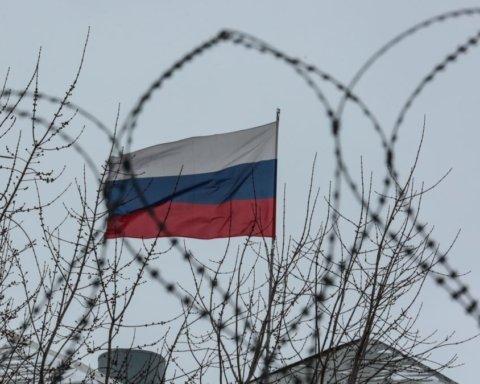 Россия поставила на Донбасс танки и боеприпасы