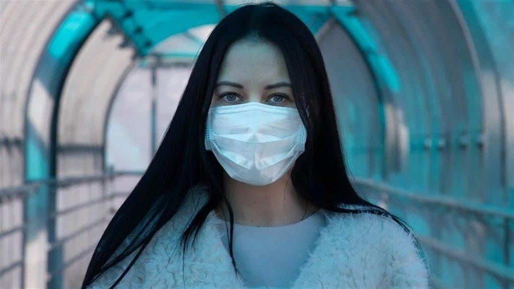 Озвучено ймовірність зараження COVID-19 в масці