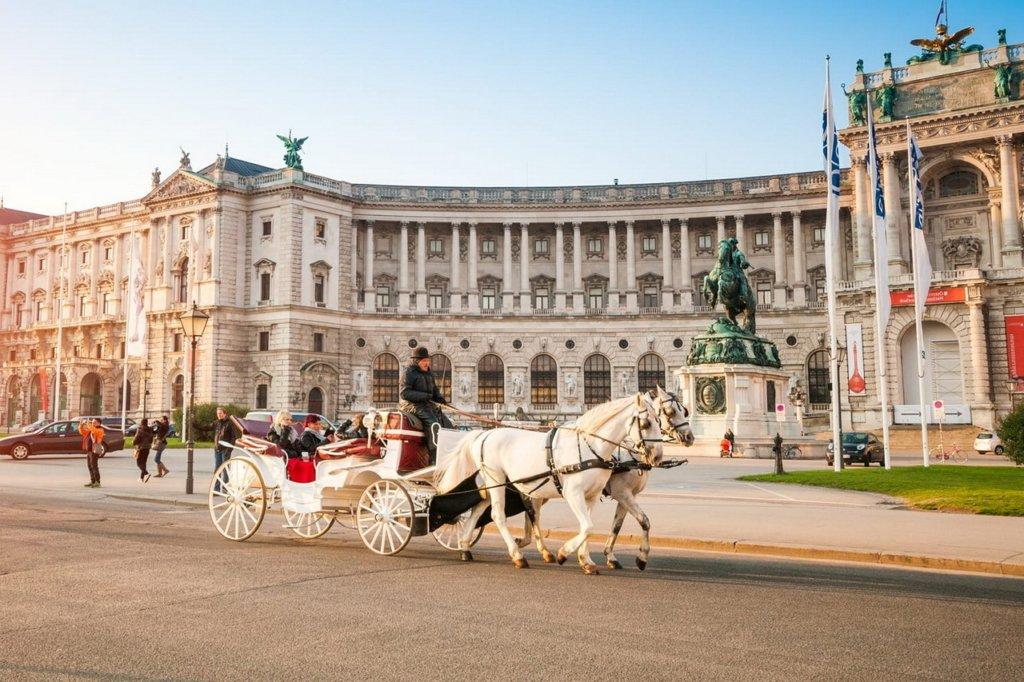 Австрия открыла пункты пропуска на границах с шестью странами