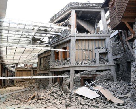 В Китае и Японии произошли мощные землетрясения: первые подробности о пострадавших