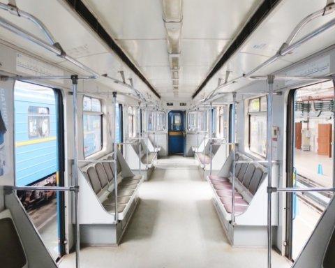 Метро Киева вышло из карантина: как будет работать подземка