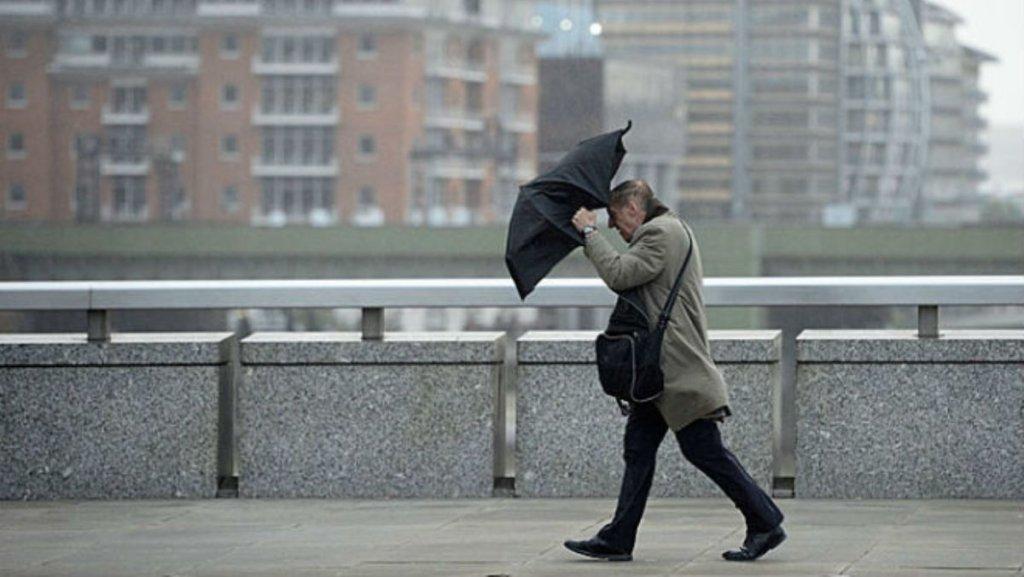 На Київ насувається ураган: синоптики зробили штормове попередження