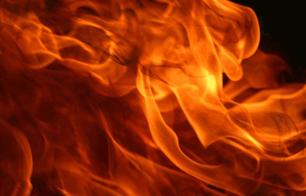 В Киеве бывший депутат пытался сжечь квартиру вместе с женой и детьми
