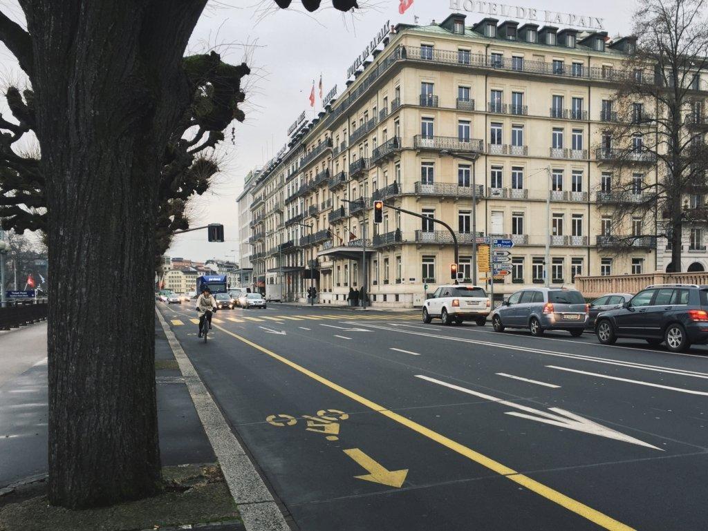 Из-за коронавируса в городах мира увеличивается количество велосипедных дорожек