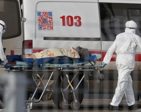 В России 350 тысяч человек заразились коронавирусом, умерли почти четыре тысячи