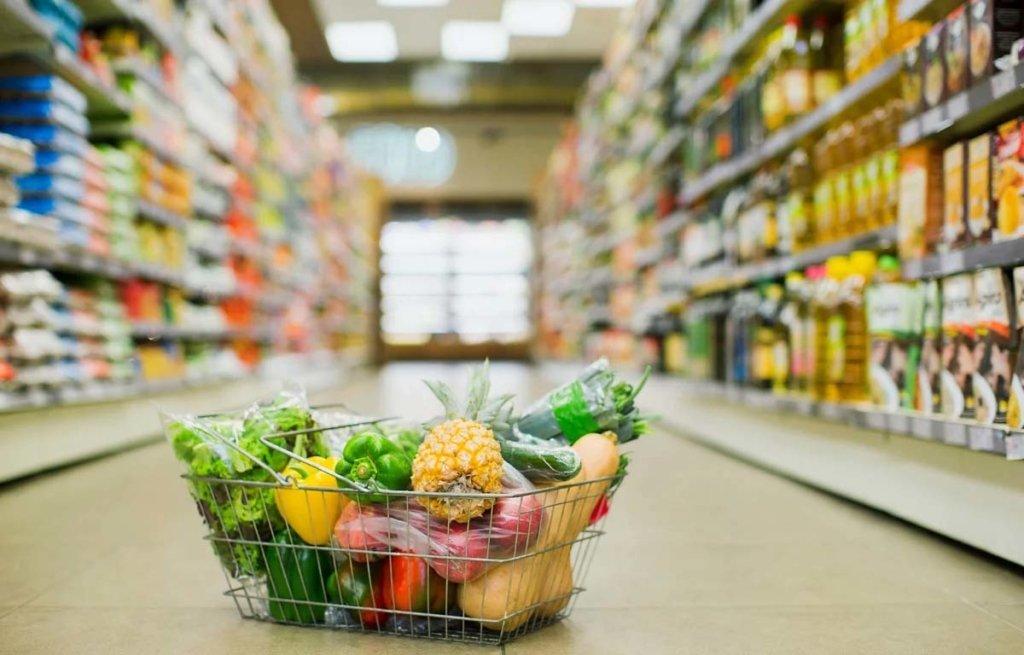 Известный супермаркет отказался обслуживать на украинском языке