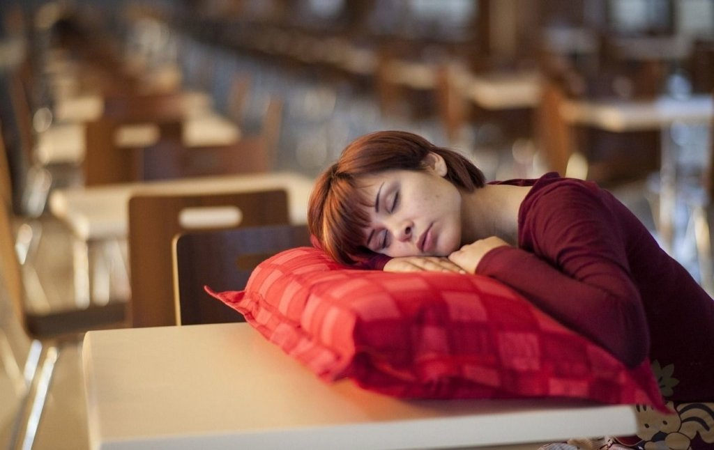Як вага впливає на якість сну: вчені зробили цікаву заяву