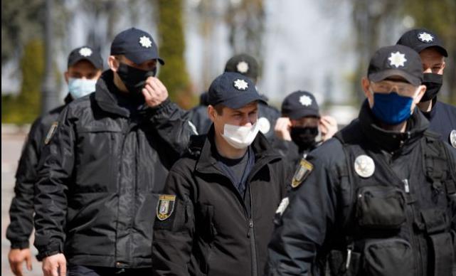 Ослабление карантина в Черкассах: полиция начала проверку на нарушения санитарных норм
