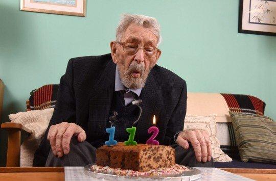 Умер самый старый человек на Земле: подробности и фото